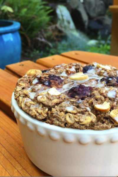 Blackberry Cashew Baked Oats