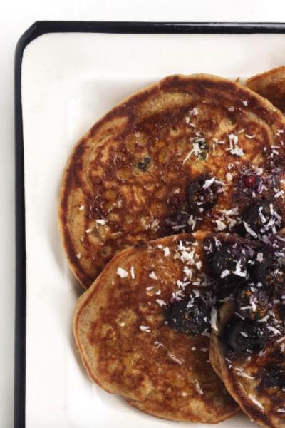 PB Banana & Blueberry Protein Pancakes