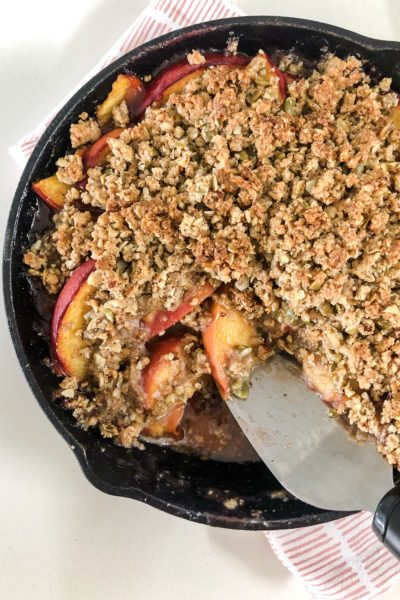 Paleo Peach Cobbler – This Crumble Is Everything